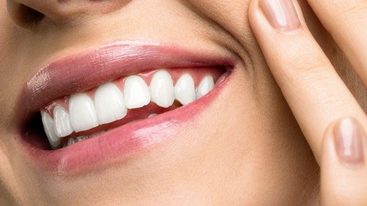 Dental Veneers What Are Veneers Balog DDS Monroe Michigan 750px 1